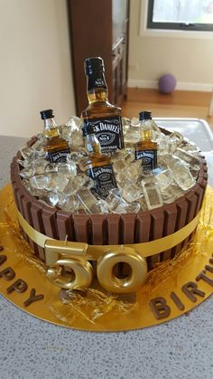 New Birthday Cake Ideas For Adults Jack Daniels Ideas 50th Birthday Cakes For Men, 40th Cake, Novelty Birthday Cakes, Homemade Birthday Cakes, Adult Birthday Cakes, Cake Birthday, Diy Birthday, Husband Birthday Cake, Alcohol Birthday Cake