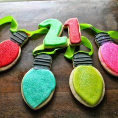 Mil Grageas, I love Christmas lights!!! Christmas light decorated cookies