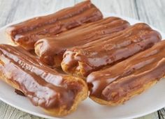 Jedite kao da živite u Francuskoj: Napravite čuvene čokoladne eklere (RECEPT) Torte Cake, Food To Make, Sausage, Bacon, Oven, Cooking Recipes, Meat, Breakfast, Desserts