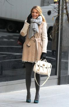 Gossip Girl Blake Lively with Mulberry