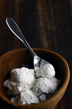 homemade coconut vanilla frozen yogurt