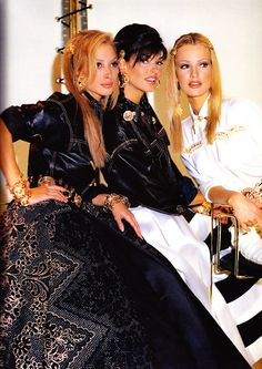 Christy Turlington, Linda Evangelista & Karen Mulder for Versace 1990s Supermodels, Original Supermodels, 90s Fashion, Couture Fashion, Fashion Models, Linda Evangelista, Christy Turlington, Very Good Girls, Gianni Versace