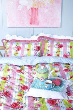 pip studio: bedroom - bed linen - Pip Studio, Bedroom Bed, Bedrooms, Bedroom Decor, Colorful Interior Design, Colorful Interiors, Toile Bedding, Simple Colors, Cath Kidston