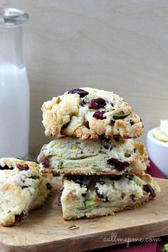 Dried Cherry Pistachio Scone recipe – Buttery, flaky and studded with dried cherries and crunchy pistachios these scones are full of flavor. Great breakfast or brunch. Baking Scones, Pistachio Recipes, Savory Scones, Cherry Recipes, Think Food, Dried Cherries, High Tea, Breakfast Recipes, Scone Recipes