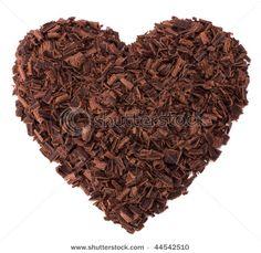 Heart-shaped cake with chocolate shavings Chocolate Week, Chocolate Curls, Chocolate Hearts, Healthy Chocolate, How To Make Chocolate, Chocolate Truffles, Chocolate Brownies, Chocolate Lovers, Chocolate Recipes
