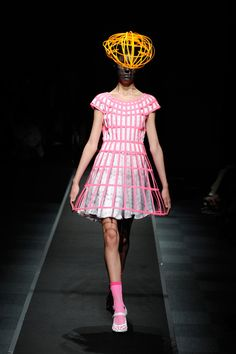 Anrealage Spring 2013 Ready-to-Wear Collection Slideshow on Style.com  The headpiece she is wearing!