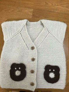 This Pin was discovered by Öze Knitting For Kids, Baby Knitting Patterns, Crochet For Kids, Knitting Designs, Crochet Baby, Knit Crochet, Baby Vest, Baby Cardigan, Baby Sweaters