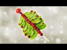 Sobremesa de árvore de Natal tropical com kiwi