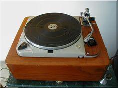 Thorens TD 124 - www.remix-numerisation.fr - Rendez vos souvenirs durables ! - Sauvegarde - Transfert - Copie - Digitalisation - Exploration et Restauration de bande magnétique Audio - MiniDisc - Cassette Audio et Cassette VHS - VHSC - SVHSC - Video8 - Hi8 - Digital8 - MiniDv - Laserdisc - Bobine fil d'acier