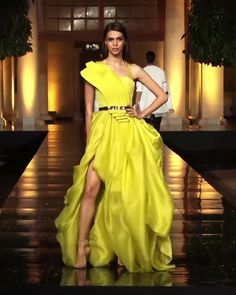 Gorgeous Asymmetric Yellow Slit One Shoulder Evening Maxi Dress / Evening Ball Gown with small Train . Contemporary Art 2019 Runway Show Collection by Manish Malhotra Call/ WhatsApp for Purchase inqury : Haute Couture Dresses, Style Couture, Shrug For Dresses, The Dress, Fashion Show Dresses, Dress Outfits, Elegant Dresses, Nice Dresses, Evening Dresses