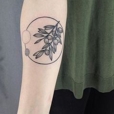 Olive Tree Tattoo Circle 55 Ideas For 2019 Olive Tree Tattoos, Olive Branch Tattoo, Tree Branch Tattoo, Body Art Tattoos, Sleeve Tattoos, Tatoos, Berlin Tattoo, Handpoked Tattoo, Surreal Tattoo