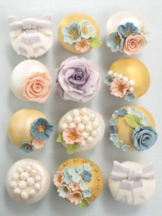 Our cupcake making and decorating classes and gift vouchers - Le Beau Cake Pretty Cupcakes, Beautiful Cupcakes, Yummy Cupcakes, Spring Cupcakes, Amazing Cupcakes, Sweet Cupcakes, Flower Cupcakes, Cupcake Photos, Cupcake Art