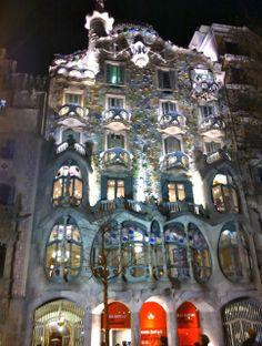 Barcelona Attractions | barcelona-tourist-attractions_casa-battlo.jpg