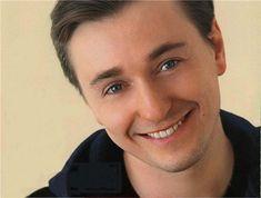 Rusian star Sergei Bezrukov remarried. Photos of his darling