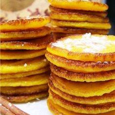 Тыквенные блинчики с корицей рецепт – выпечка и десерты. «Афиша-Еда» Pumpkin Pancakes, Pancakes And Waffles, Good Food, Yummy Food, Tasty, Vegetarian Recipes, Cooking Recipes, Russian Recipes, Crepe Cake
