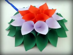 This video shows How to make Tricolor Flower Wall Hanging Decoration for Republic Day and Independence Day. Independence Day Drawing, Independence Day Activities, Independence Day Decoration, Paper Flowers Diy, Flower Crafts, Bear Crafts Preschool, Independence Day Greeting Cards, Patriotic Crafts, Patriotic Party