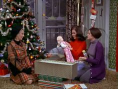 mary tyler moore show Christmas episodes | The Mary Tyler Moore Show: Christmas and the Hard Luck Kid II Christmas Tv Shows, Christmas Episodes, Christmas Past, Christmas Movies, Christmas Pictures, Christmas Themes, Vintage Christmas, Christmas Classics, Holiday Movies