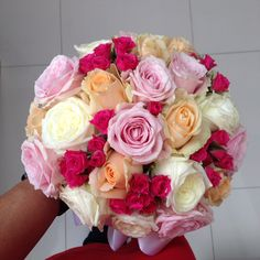 Classic bouquet with roses.... For more check @maghavanto