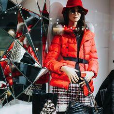"SAILERstyle auf Instagram: ""Be glamorous - be you! ⠀⠀⠀⠀⠀⠀⠀⠀⠀ Shopwindow @SAILERmodehaus - Seefeld/Tirol⠀⠀⠀⠀⠀⠀⠀⠀⠀ We 💖 #Fashion⠀⠀⠀⠀⠀⠀⠀⠀⠀ ⠀⠀⠀⠀⠀⠀⠀⠀⠀ #SAILER…"" Elegant, High Fashion, Fur Coat, Winter Jackets, House Design, Sports, Fashion Design, Instagram, Fashion Trends"