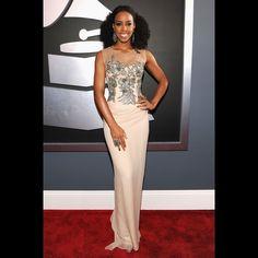 I love her dress!  Kelly Rowland - Grammys