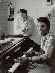 Little Richard (1932) nombre artístico de Richard Wayne Penniman, es un cantante, compositor y pianista afroamericano de rock and roll de los Estados Unidos.