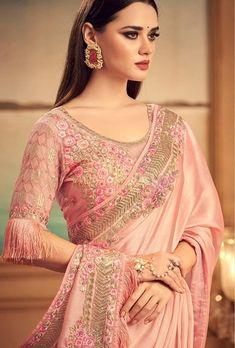 Sari Design, Sari Blouse Designs, Bridal Blouse Designs, Indian Silk Sarees, Art Silk Sarees, Sari Bollywood, Bollywood Stars, Indian Dresses, Indian Outfits