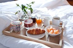 be served breakfast in bed. Husband is the Best! Breakfast Tray, Perfect Breakfast, Birthday Breakfast, Sunday Breakfast, Breakfast Ideas, Bucket List For Girls, Bucket Lists, Breakfast Pictures, Mothers Day Breakfast