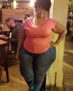 Look at that girl with them big ol hips 😋😃😄🤗 Thick Hips, Basketball Pictures, Beautiful Curves, Ssbbw, Full Figured, Perfect Body, Real Women, Bathing Suits, Black Women