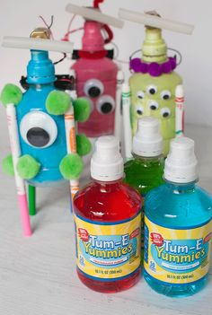 How to Make a Scribblebot from recycled @Tumeyummies bottles for a fun family robotic STEM project #sponsored