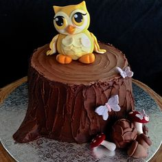 I am FINALLY able to share this lovely little cake! Owls are trendy so I hope…