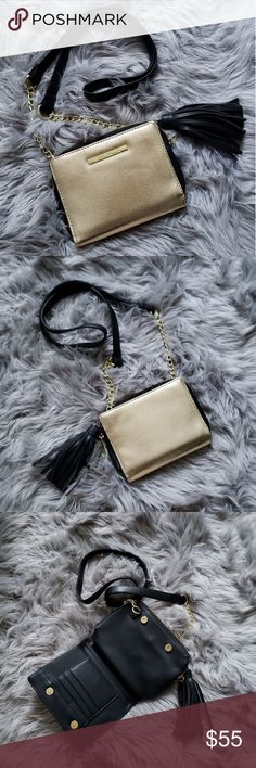 STEVE MADDEN Gold Dual Wallet Crossbody Bag NWOT Eye catching small gold wallet purse by Steve Madden opens on both sides to reveal card slots. Center features a zipper pouch. Gold chain detail on crossbody strap. New without tags, never used. Steve Madden Bags
