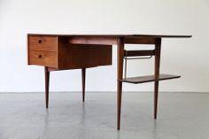 Danish Modern Writing Desk w/ brass 50s 60s   Moderner Teak Schreibtisch 60er   eBay