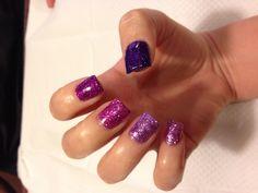 Ombré sparkle nails