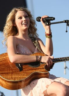Taylor Swift at the Empire Polo Grounds 2008