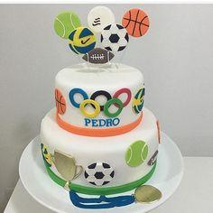 Bolo lindo que vi para o tema Olimpíadas no ig que amo @dentrodafesta ! Rg @vaniaelihimas  #loucaporfestas #festa #party #olimpiadas #boloolimpiadas #cake #bolo #cakelpf #bololpf