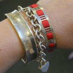 """Make an """"industrial chic"""" bracelet from a hose clamp!"""