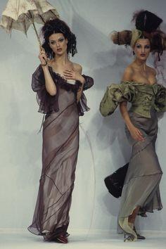 John Galliano Spring 1993 Ready-to-Wear Fashion Show - Shalom Harlow