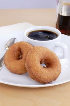 6 D.I.Y. Healthy Donuts - more protein than carbs!!!! and gotta try the blueberry!