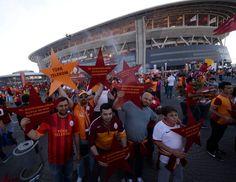 Galatasaray, 20. Şampiyonluğunu ve 4. Yıldızı Ali Sami Yen Spor Kompleksi Türk Telekom Arena'da taraftarıyla kutluyor.