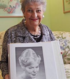 Margaret Vinci Heldt, who became a hairstyling celebrity after she created the famous beehive hairdo in has died at age Ahlgrim Funeral Home in the Chicago suburb of Elmhurst said Monday that Heldt died Friday at a senior living community. Short Hair Styles Easy, Short Hair Updo, Medium Hair Styles, Natural Hair Styles, Senior Living Communities, Pop Culture References, Chicago Area, Retro Hairstyles, Hairstyles Videos
