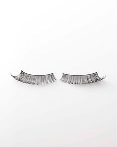 Beauty in Jan Magazine Photography by Frank Brandwijk I 'Eyelashes' 'White'