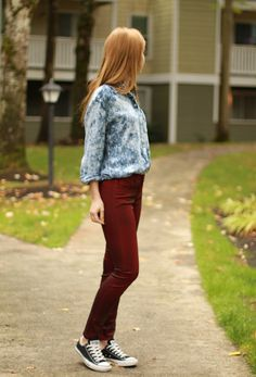 """Paula of """"Futuristka"""" in UO's acid wash button down and coated maroon denim #urbanoutfitters"""