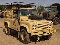 File:Land Rover Defender 90 (1997) owned by Julien Gerard.JPG