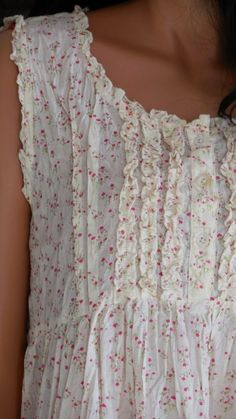 pretty night gown or farm dress detail Beautiful Outfits, Pretty Outfits, Cute Outfits, Mode Style, Style Me, Vetements Clothing, Mode Hippie, Romantic Outfit, Mori Girl