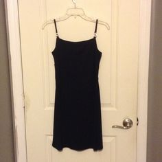Little black dress Cute for date night, pre loved. Oh measurements laid flat armpit to armpit 15 1/2 inches Dresses Mini