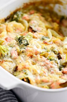 Extra creamy whole30 spaghetti squash casserole. Dinner cooked in 20 minutes! Easy, healthy, and delicious! New favorite meal to eat with the family. You can make it ahead, free or refrigerate, and then cook up another time. Whole30 meal planning. Spaghetti squash casserole filled with broccoli, garlic, onion, salmon, and herby cream sauce! How to cook spaghetti squash. Healthy spaghetti squash bake. Easy whole30 dinner recipes. Whole30 recipes. Whole30 lunch. Whole30 recipes just for you. Wh...