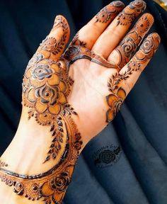 Stunning Collections of beautiful Mehndi designs Collections. More than Mehndi designs available here Modern Henna Designs, Floral Henna Designs, Arabic Henna Designs, Latest Bridal Mehndi Designs, Full Hand Mehndi Designs, Mehndi Designs Book, Mehndi Designs For Girls, Mehndi Designs For Beginners, Mehndi Design Photos