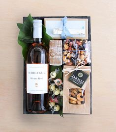 Rosé Wine Crate: Winston Flowers' Gourmet Gift Collection.                                                                                                                                                                                 Más