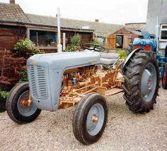 Ferguson FE 35 tractor gold-plated alloy model UH 1-16 #UH #Ferguson