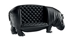 Sofá Hippopotamus, da coleção The Animal Chair, design Máximo Riera – a peça é produzida sob encomenda, em série limitada a 20 unidades) | something fun
